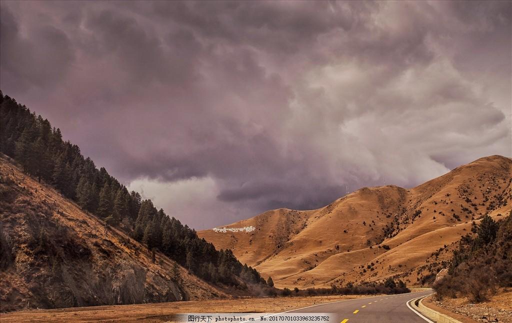 318国道风景 色达 日落 藏文 乌云 公路 山脉 黄色 草原