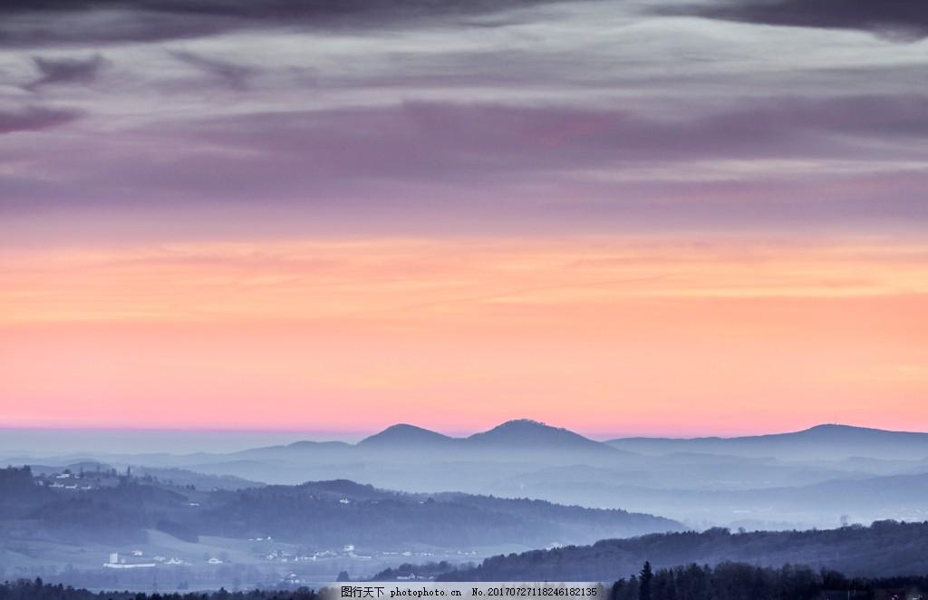 大气远方山顶背景 云层 夕阳 落日余辉 云海 风景 自然景观