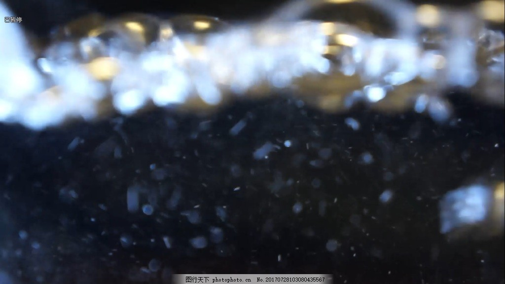 boilwater 杯中沸腾的水 气泡 透明水气泡